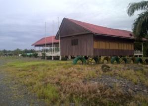 Gedung sekolah tampak dari luar